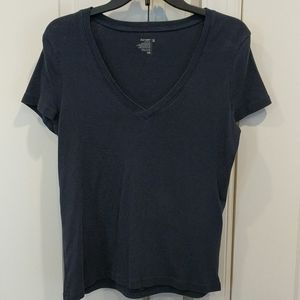 Old Navy v-neck t-shirt